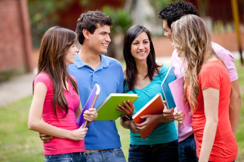 becas-de-Bachillerato-y-estudios-universitarios-para-el-curso-2021-2022